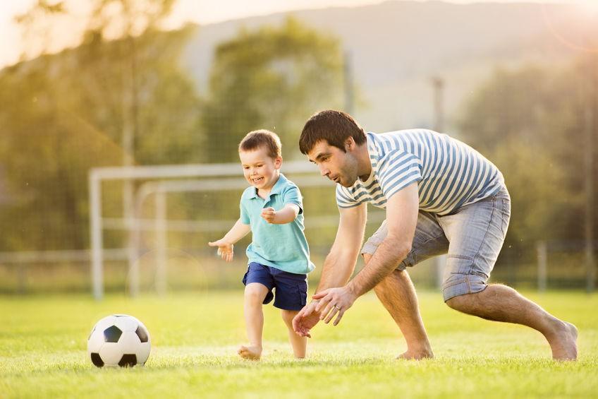 7 Cara Bermain Sambil Olahraga bagi Ayah dan Anak