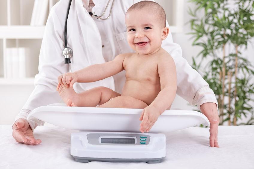 Apakah Berat Badan si Kecil Sudah Cukup Sehat?