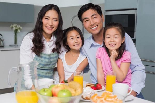 Ayah, Bahagiakan Bunda di Hari Ibu dengan 5 Tips Ini, Yuk!