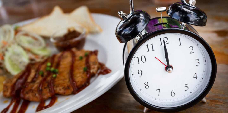 moms-food-nutrition-makanan-yang-tepat-saat-sarapan-makan-siang-dan-makan-malam