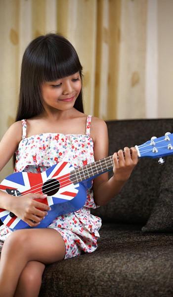 Si Kecil Makin Cerdas dengan Bermain Musik