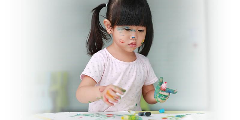 5 Ide Messy Play untuk Perkembangan Anak