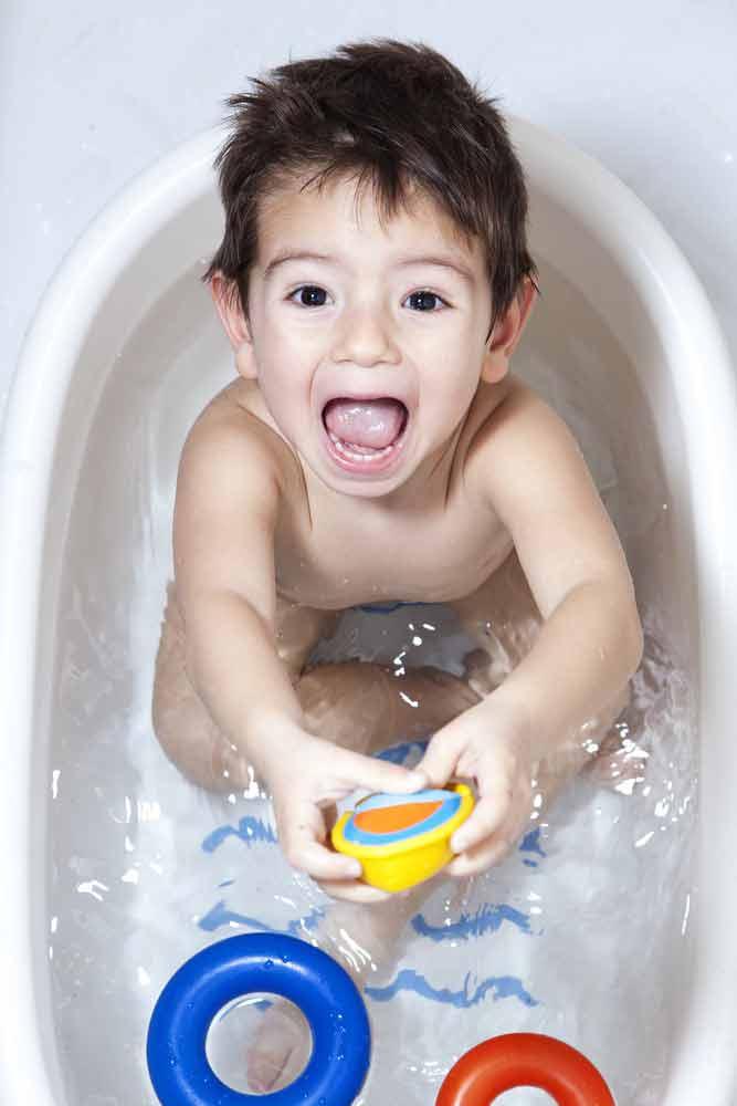 Menjaga Kebersihan Bath Toys