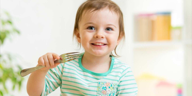 Menuju Usia 1 Tahun, si Kecil Butuh Asupan Nutrisi Lengkap Ini