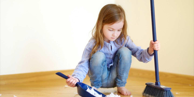 Zwitsal | Ajari Anak Membuang Sampahnya Sendiri