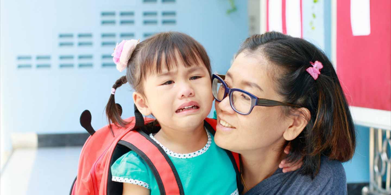 Apa Yang Harus Dilakukan Orang Tua Jika si Kecil Ngambek Ke Sekolah?
