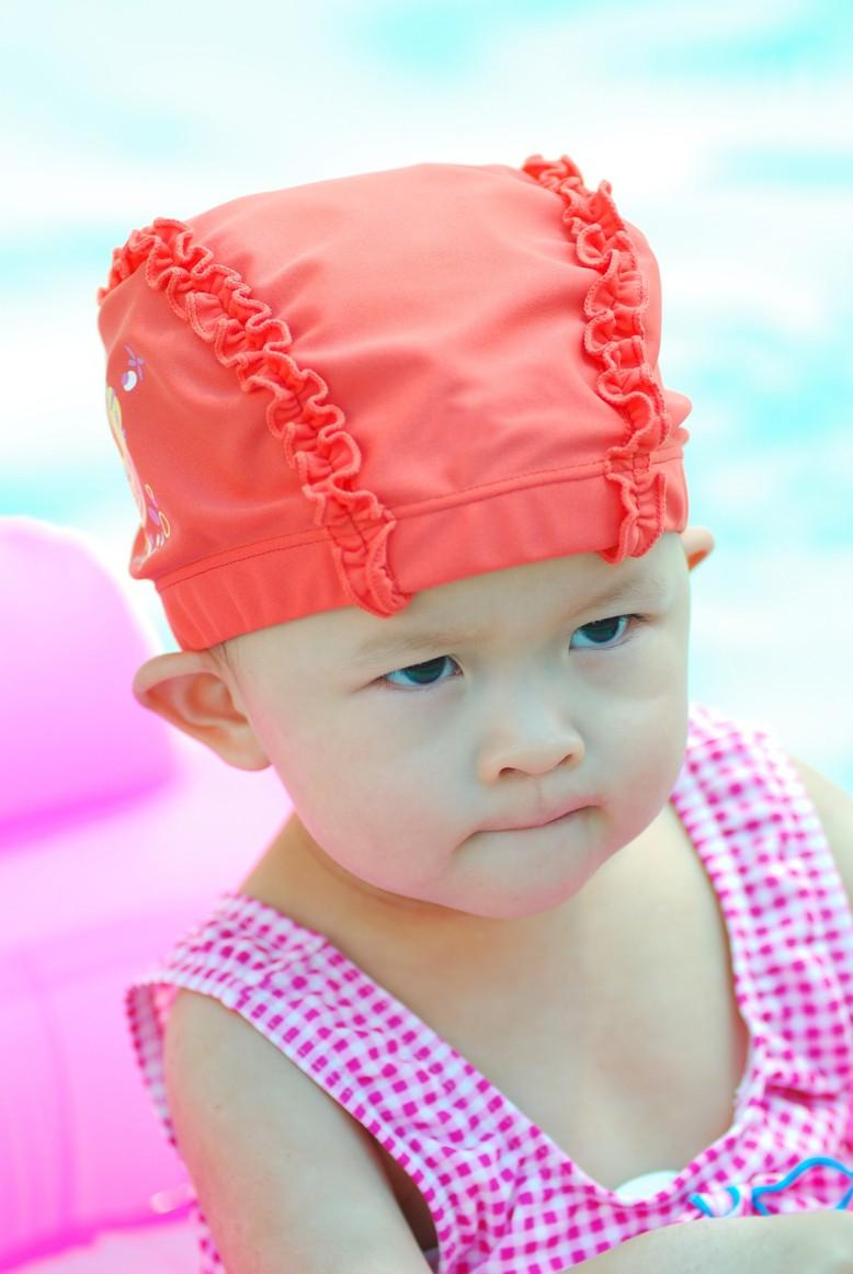 Zwitsal | Tips Atasi Masalah Kesehatan Rambut Setelah Berenang