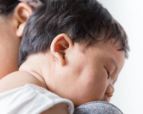 Atasi Biang Keringat pada Bayi dengan Obat Biang Keringat yang Tepat