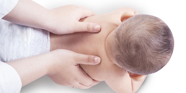 Terapi Pijat Pada Bayi, Sebaiknya Mulai Dilakukan?
