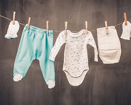 Model Baju yang Nyaman untuk Bayi & 10 Tips Memilihnya