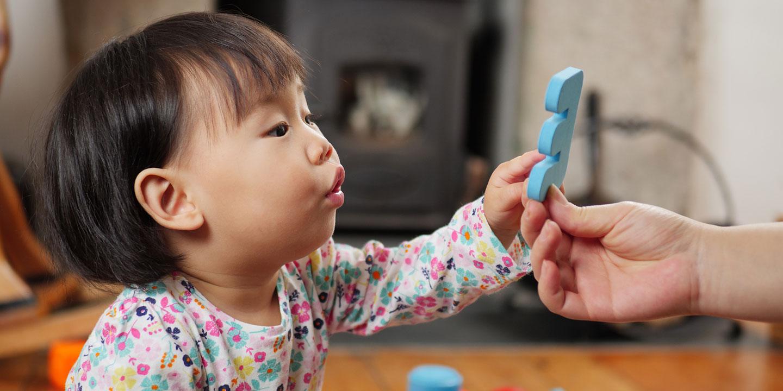 10 Mainan untuk Bayi Usia 3 Bulan