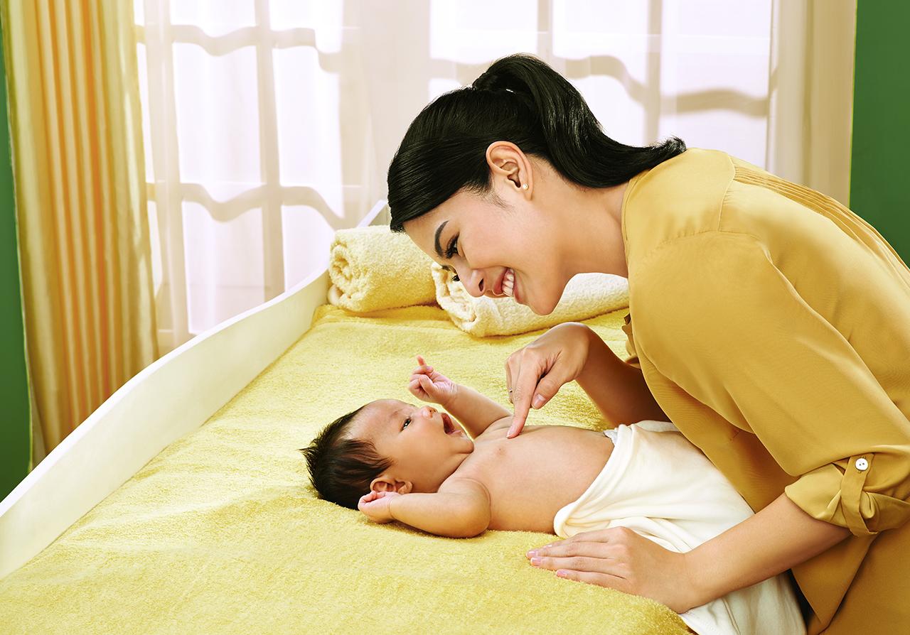 Mengenal Lebih Dekat Zwitsal Baby Spa