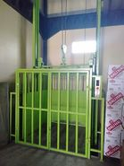 Lift barang kapasitas 1 s/d 5 ton, murah, aman, berkualitas.