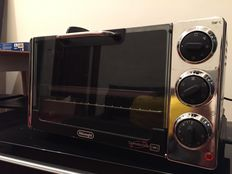 1-year old DELONGHI Oven (Model: EO2079)