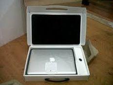 "Apple MacBook Pro ""Core i7"" 2.8 13"" Late 20132.8 GHz ( WhatsApp: 85298456509 )"