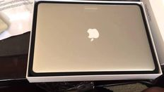 "Apple MacBook Pro with Retina Display 15.4"" - Core i7 2.2 GHz - 32 GB RAM - 256 GB SSD"