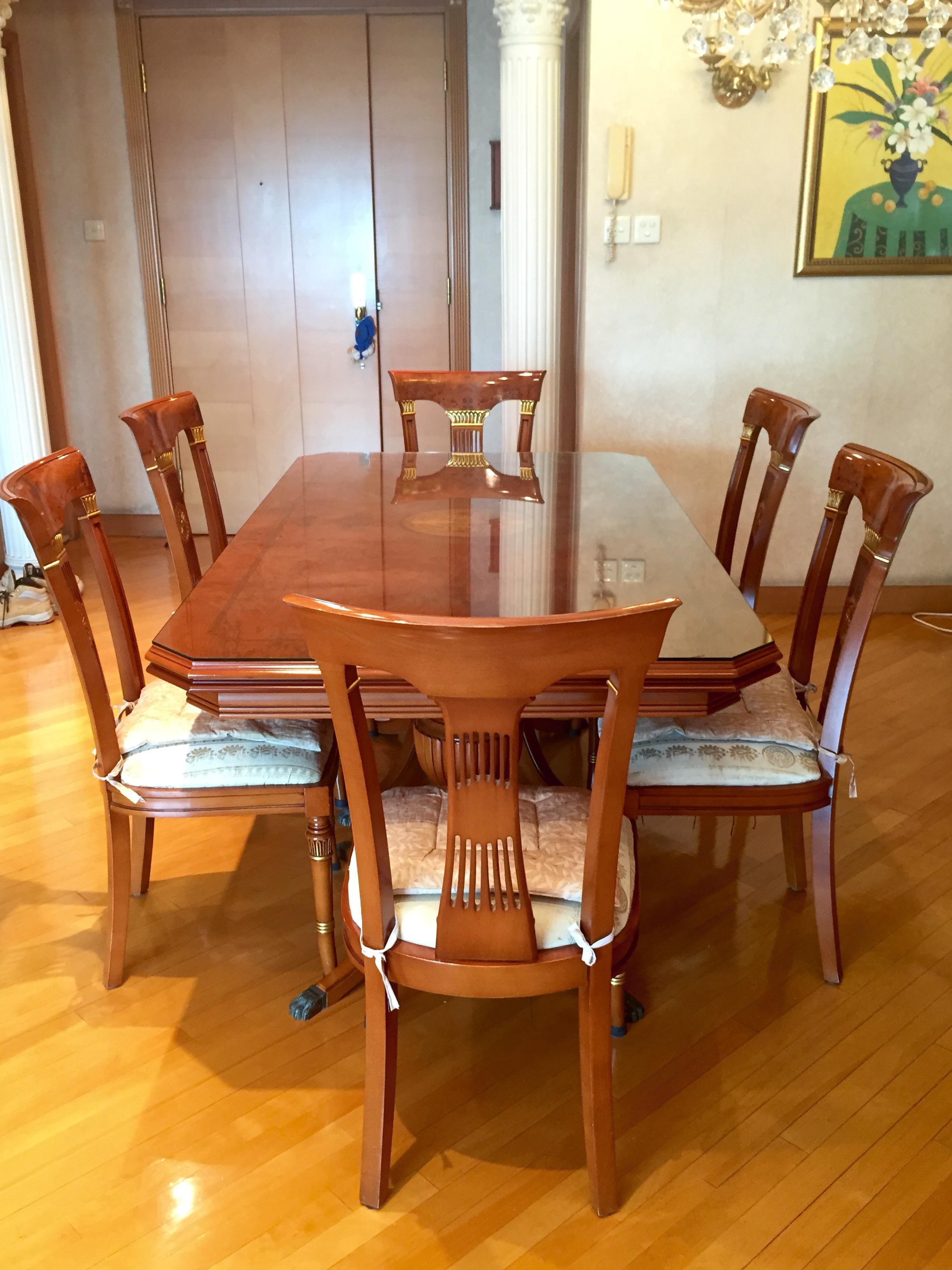 Beautiful 180 cm Solid Wood Dining Table Extendable with