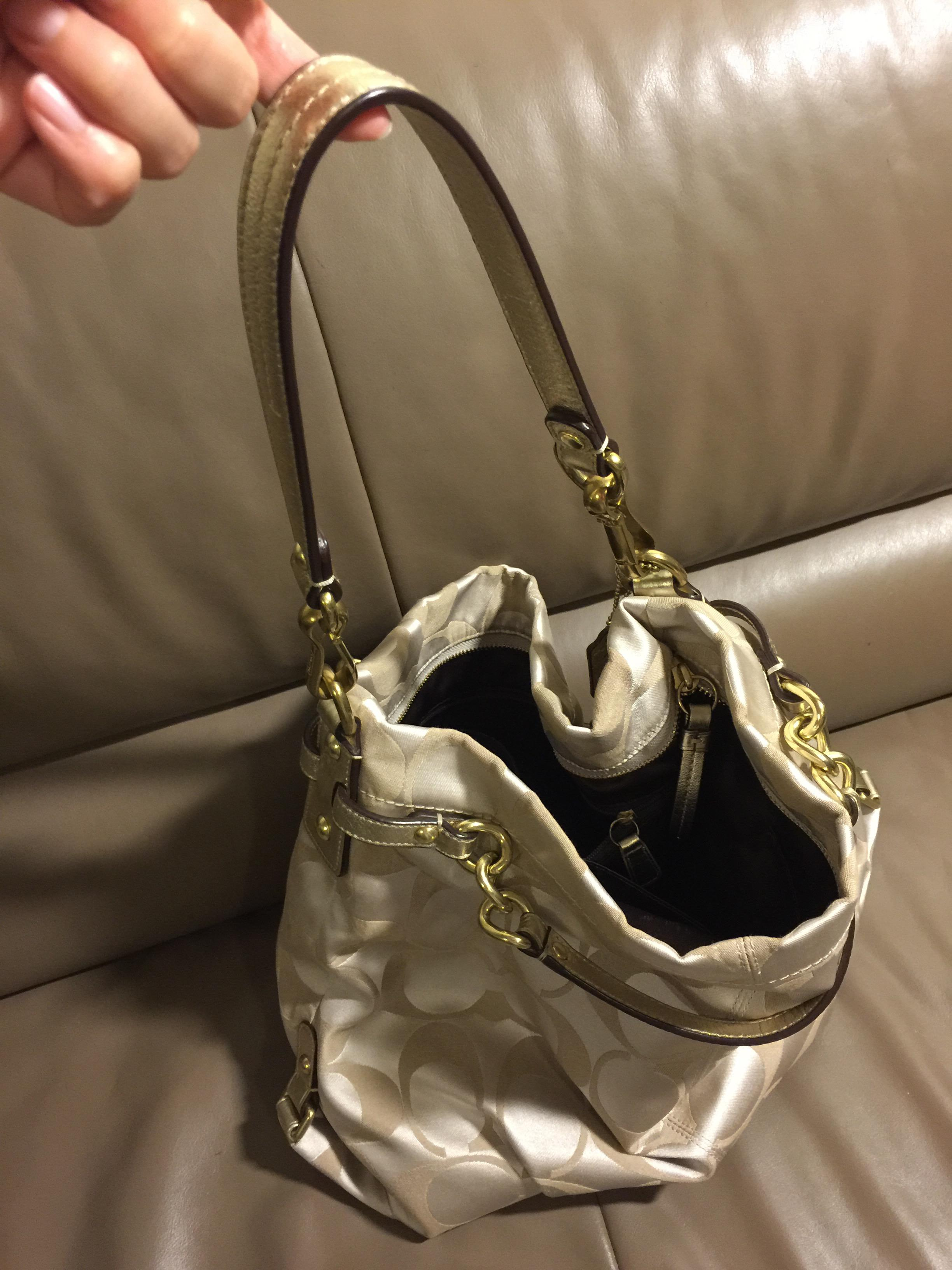 905889670b3f ... bags outlet COACH F36716 SKHMA luxury signature cotton ew Hobo 2-WAY  ... COACH NOMAD HOBO IN GLOVETANNED LEATHER ... 可手挽亦可上膊 Original price ...