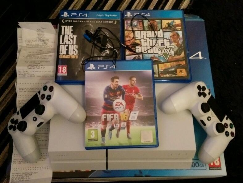 For sale Sony PS4 console with 4 extra games  HKD $1550 hongkong dollars