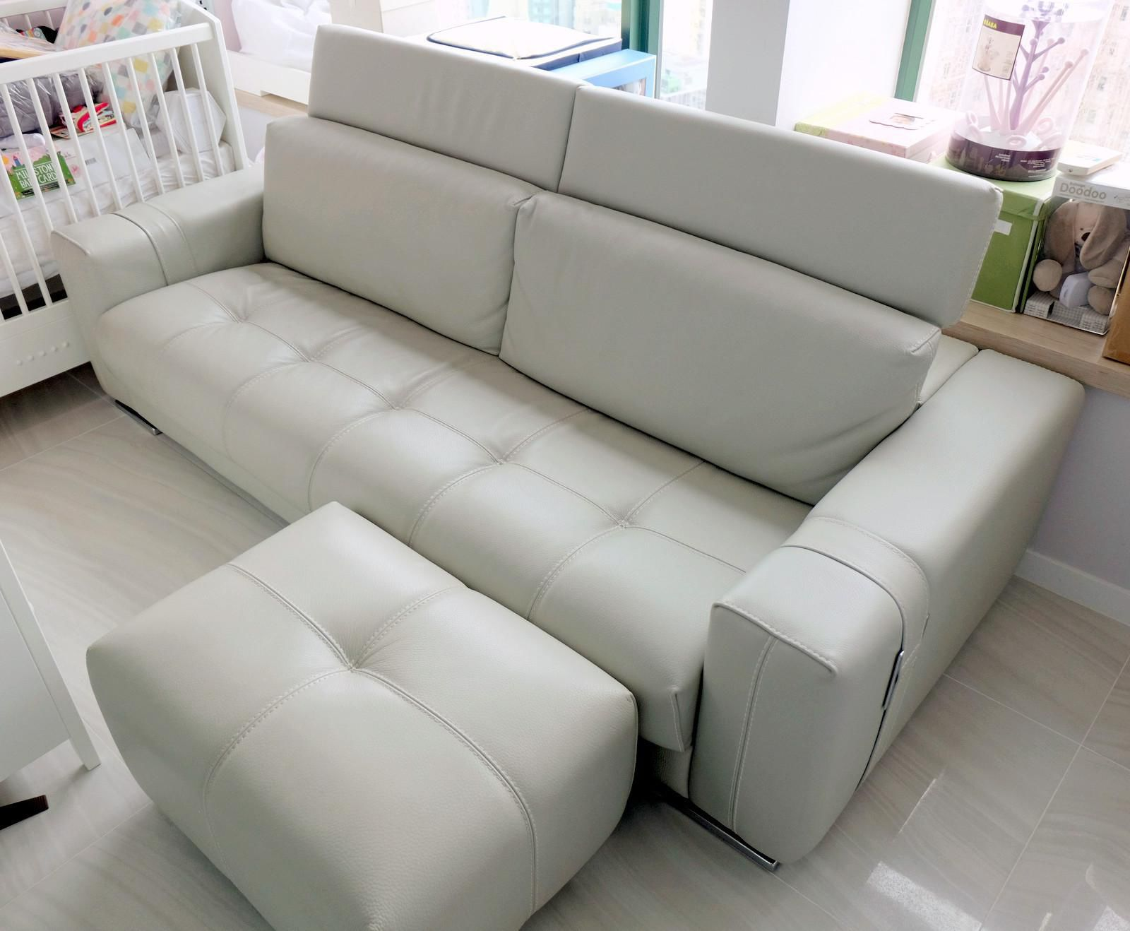 High End Italian 3-seater Leather Sofa With Ottoman By