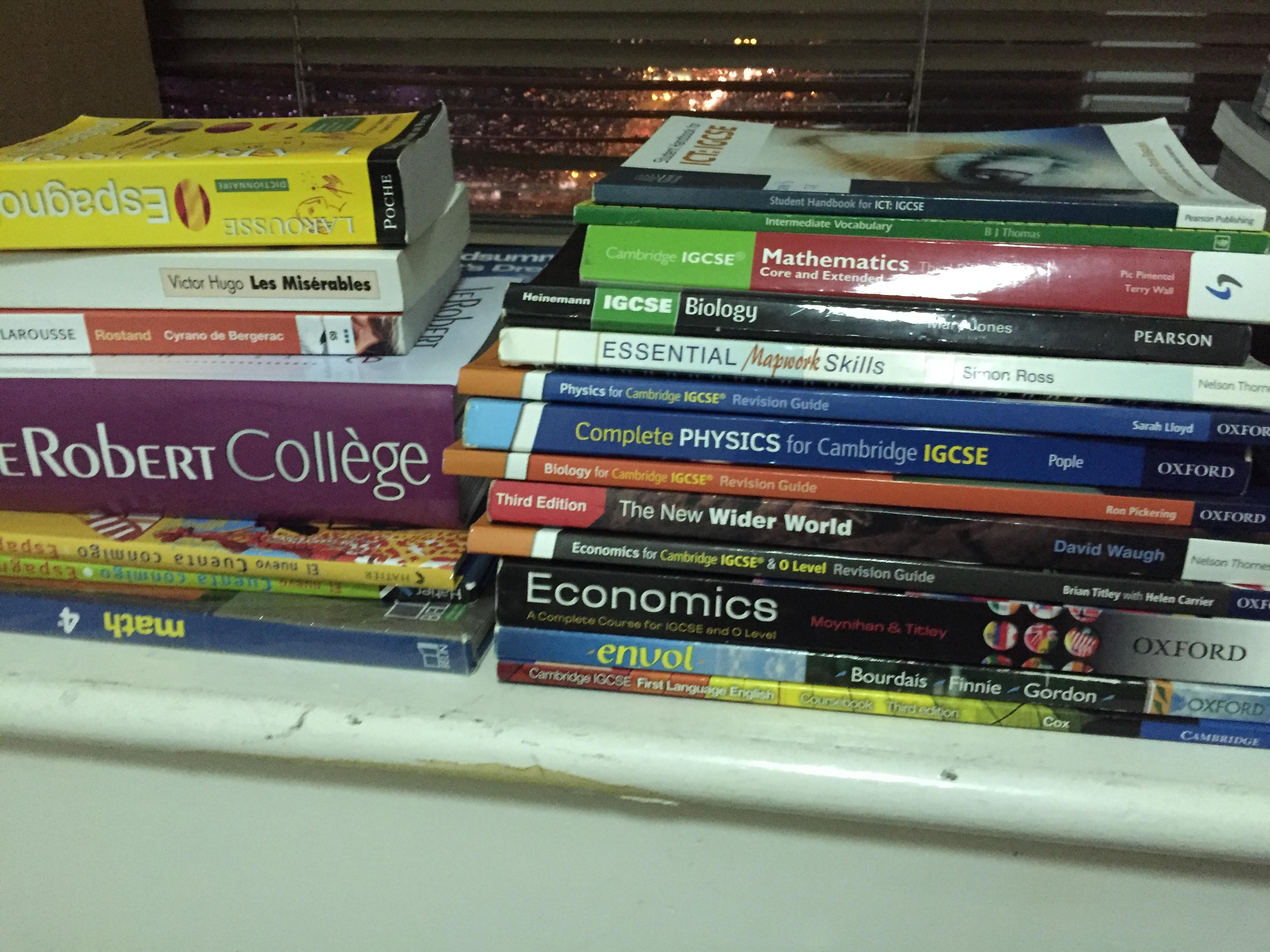 IB and IGCSE textbooks, novels, and books in french