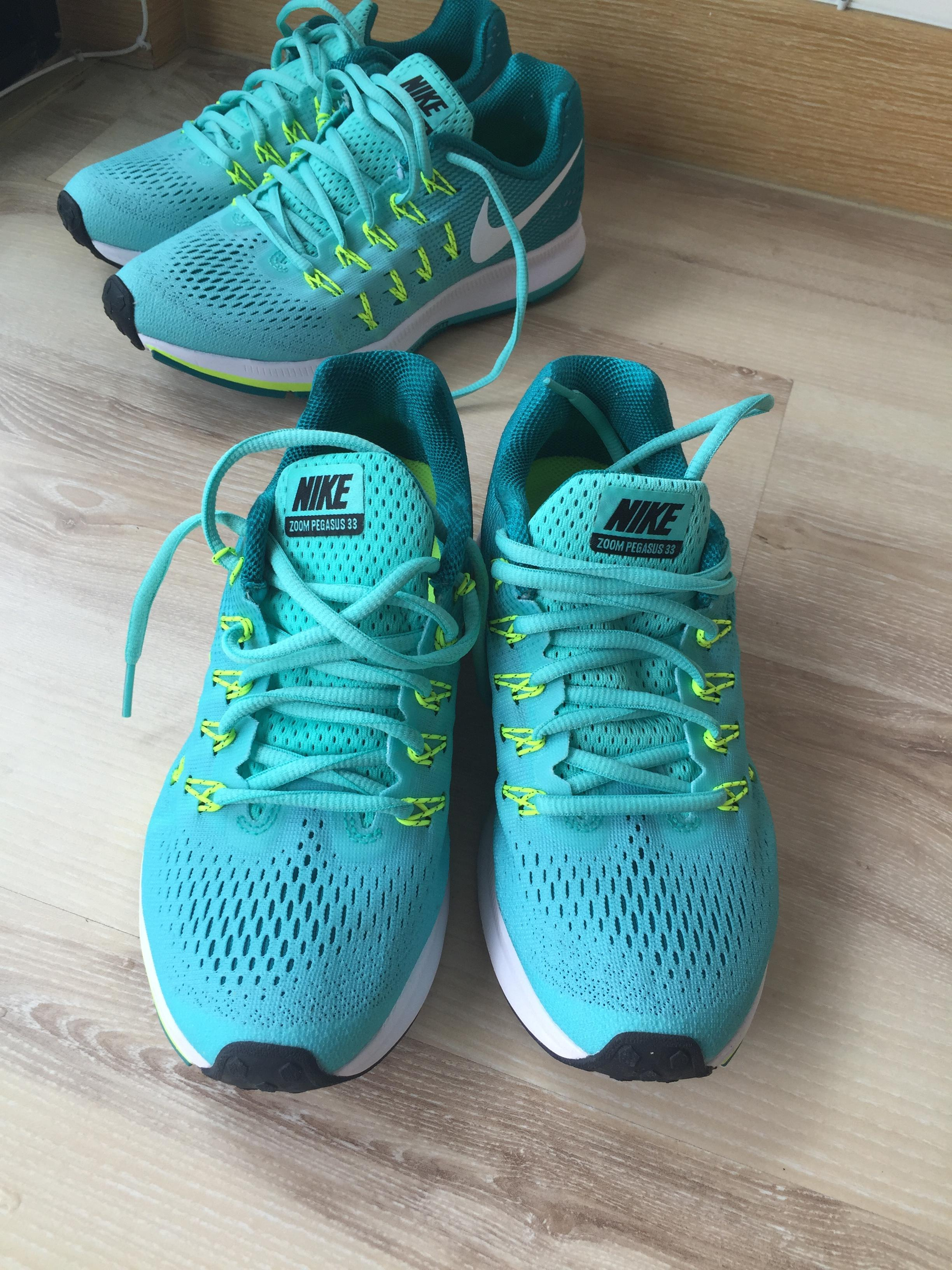 the latest 395ed 25dd2 Nike Running Shoes Air Zoom Pegasus 33, Size US 6.5 - Worn Once Only!