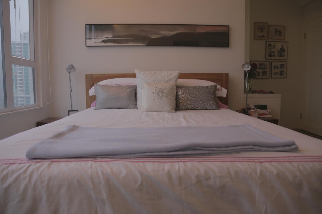 Solid Teak Wood Bed Frame W Mattress