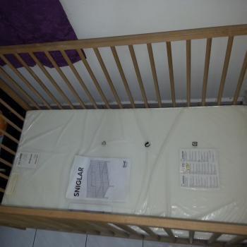best service 8cb66 d1255 Ikea sniglar baby cot with mattress