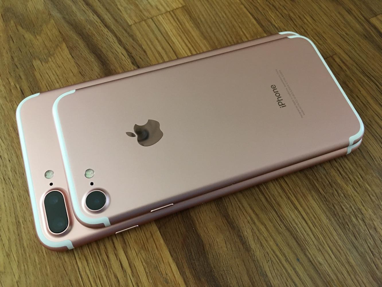 Brand new Unlock iPhone 7 and 7 Plus 32GB 128GB 256GB
