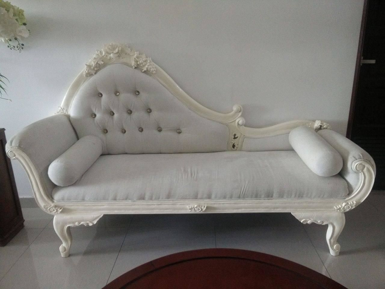 REASON OF SELLING: Moving To A New House / Space Allocation. Classical Lounger  Sofa