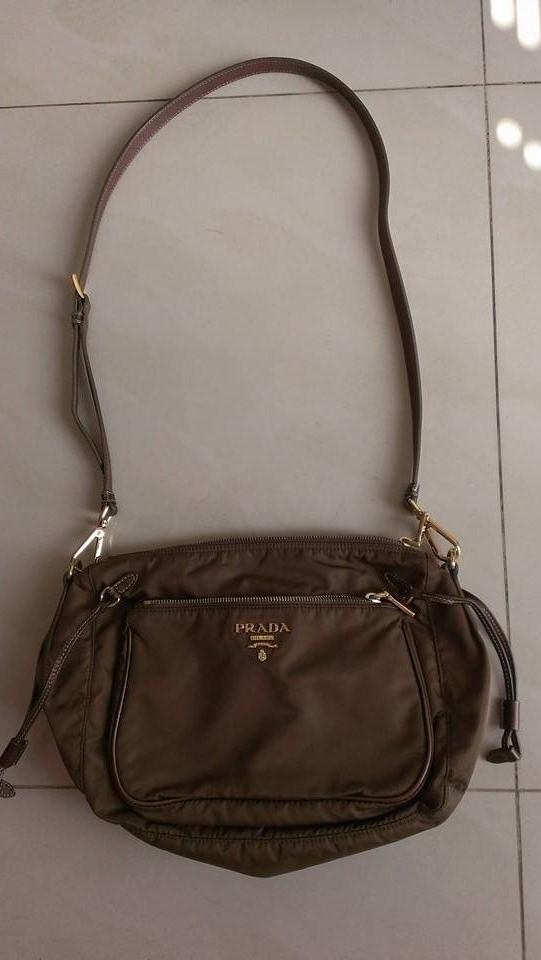 9cc837f2af ** CLEARANCE ** AUTHENTIC Prada Sling cross body Messenger Bag |  Secondhand.my