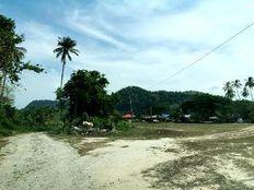 Residential Seaside Land At Penarak, Langkawi Island