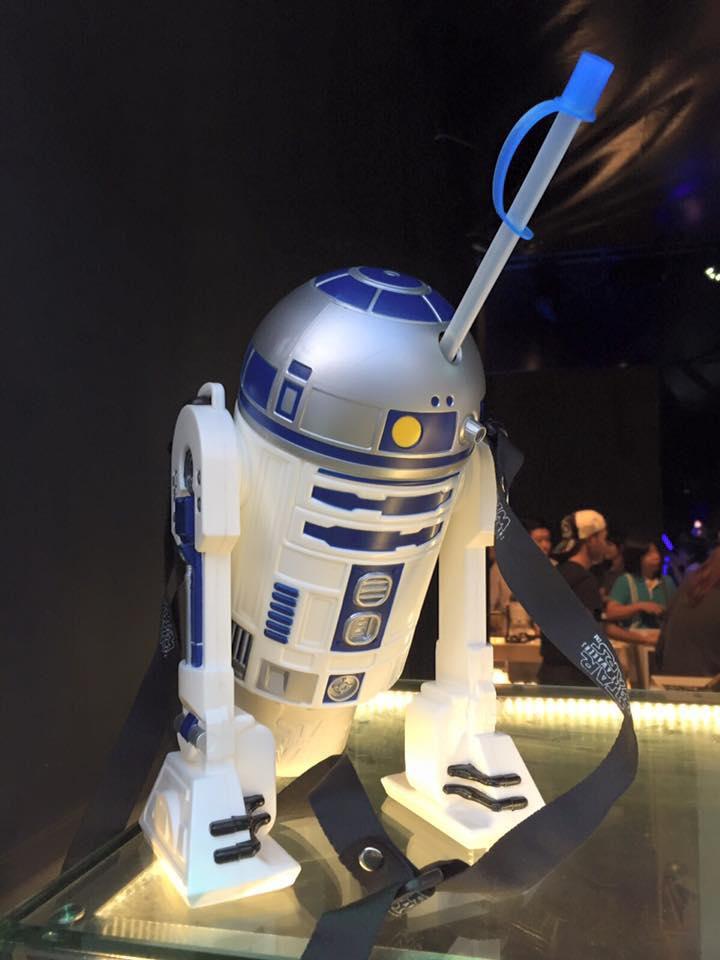 star wars the force awakens r2