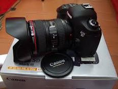 For sale CANON EOS 5D Mark III Kit 24-105 MM