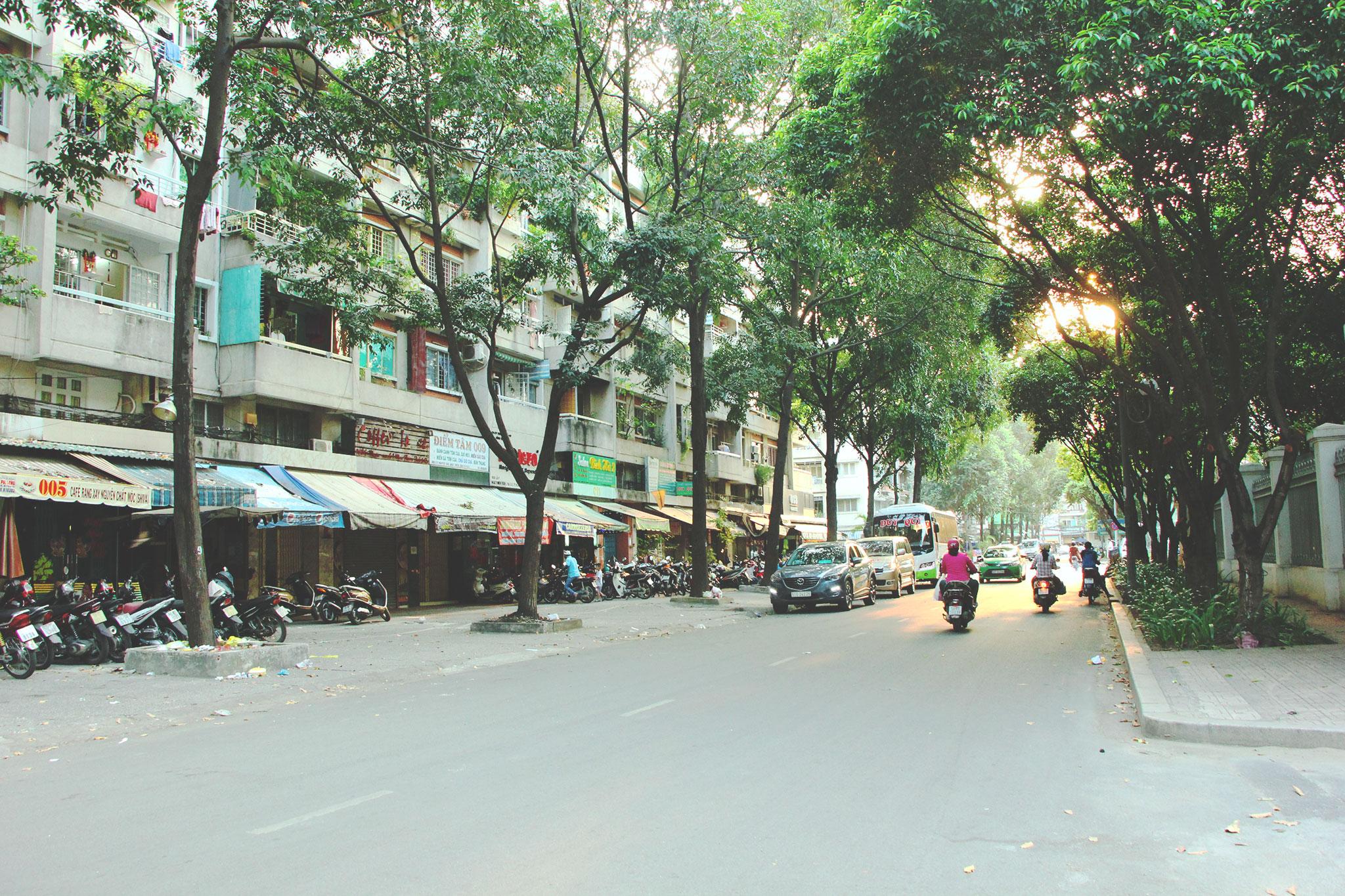 We will go through the beautiful streets around Chinatown