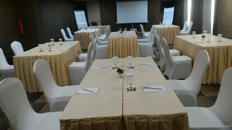 paket-meeting-di-ayaka-suites,-seruni-1-0