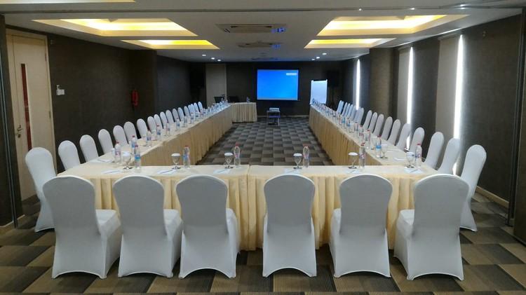 paket-meeting-di-ayaka-suites,-seruni-1-1