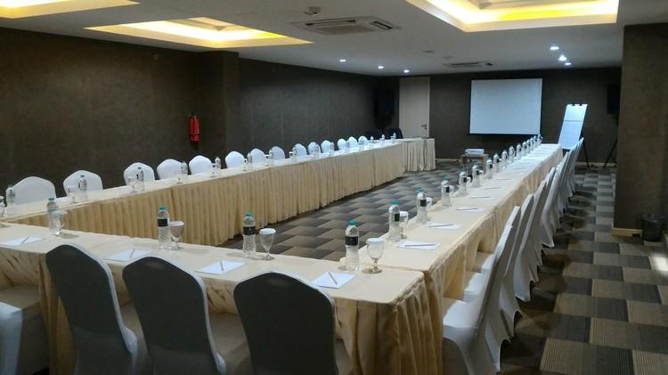 paket-meeting-di-ayaka-suites,-seruni-1-2