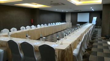 thumb-paket-meeting-di-ayaka-suites,-seruni-1-2