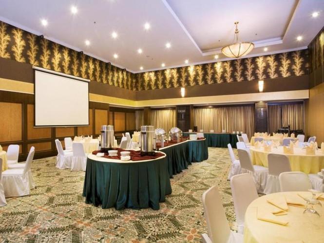 ruang-meeting-di-coblong-bandung-aston-tropicana-hotel-bandung-alamanda-4-1