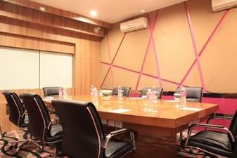 thumb-paket-meeting-di-favehotel-ltc-glodok,-echo-room-0
