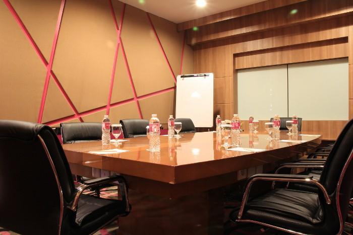 paket-meeting-di-favehotel-ltc-glodok,-echo-room-2