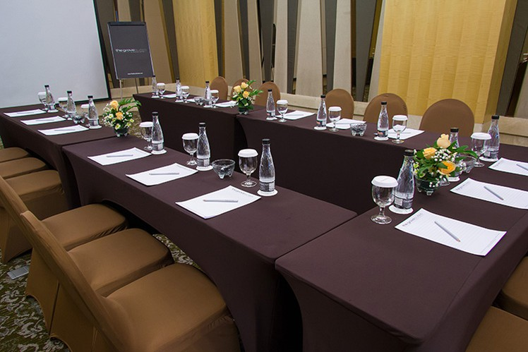 paket-meeting-di-the-grove-suites-by-grand-aston,-epi-3-room-2