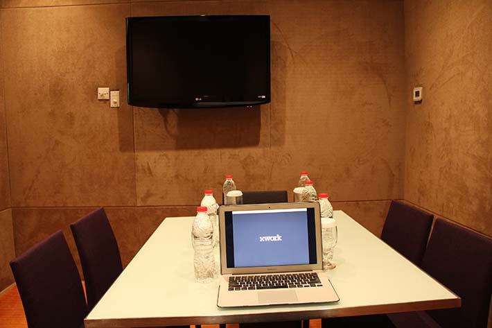 paket-meeting-di-harris-hotel-and-conventions-kelapa-gading,-twinky-room-0
