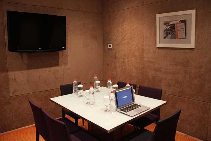 paket-meeting-di-harris-hotel-and-conventions-kelapa-gading,-twinky-room-1
