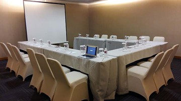photo of JAMPANG 5 Room di Favehotel PGC Cililitan 0