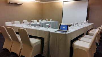photo of PITUNG 5 Room di Favehotel PGC Cililitan 5
