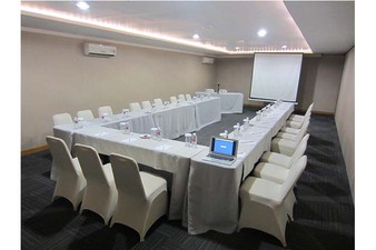 photo of JAMPANG 2 Room di Favehotel PGC Cililitan 2