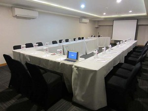 photo of PITUNG 2 Room di Favehotel PGC Cililitan 3