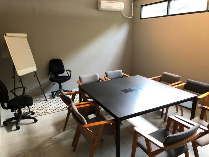 ruang-meeting-di-pasar-minggu-jakarta-selatan-cnclv-simatupang-meeting-room-suite-1-0